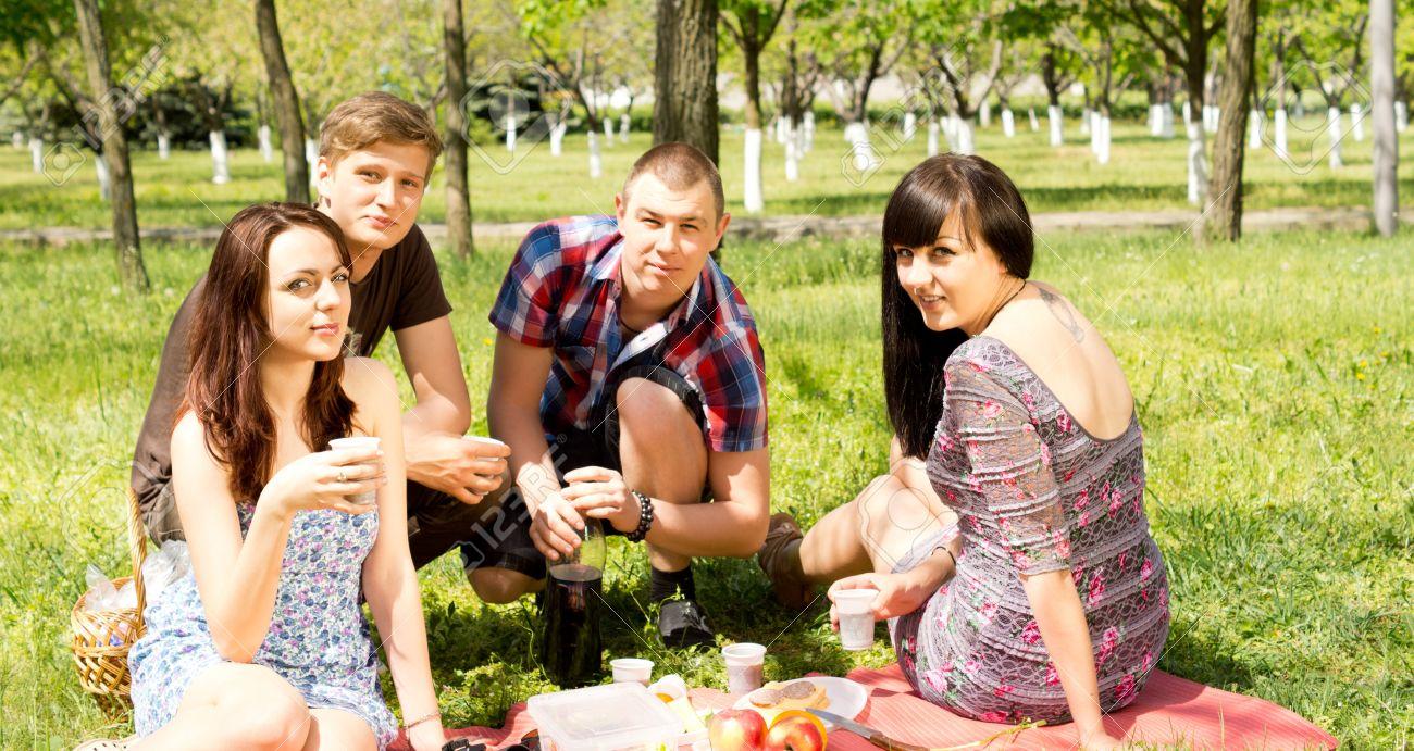 Free pics college couples #4