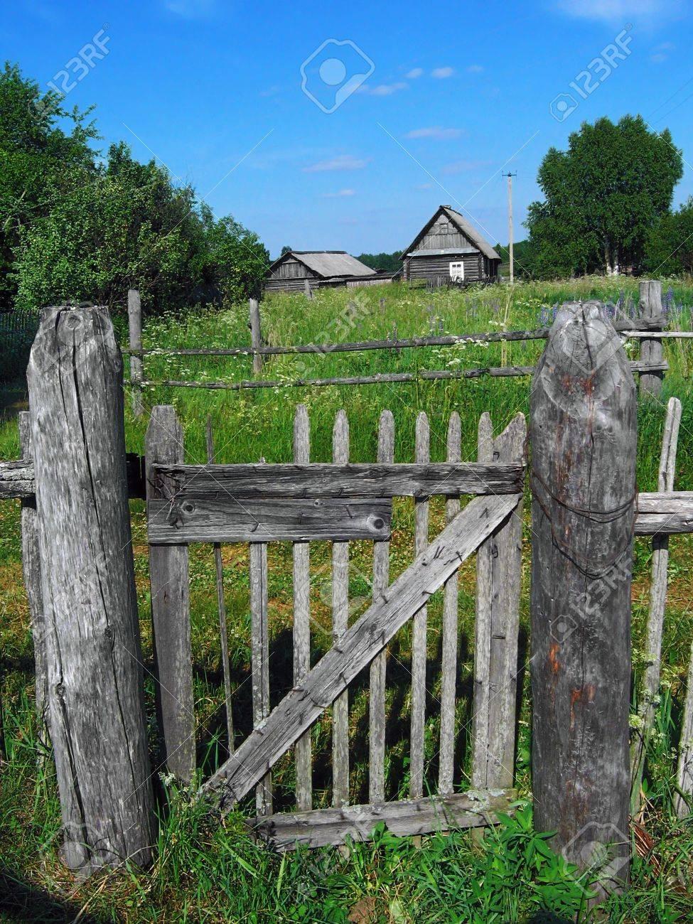 Russisch Dorf Grau HOLZZAUN Tür Lizenzfreie Fotos Bilder Und