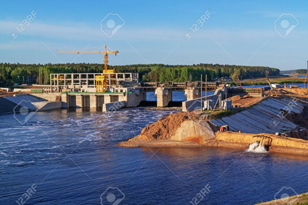 ヴィチェプスク水力発電所を建設...