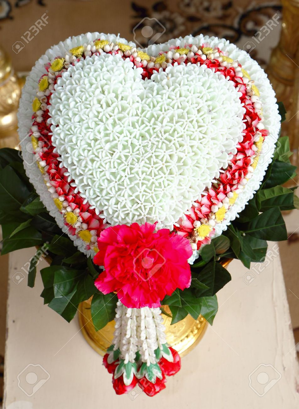 Thai Flower Heart Shaped Garland On Golden Tray With Pedestal