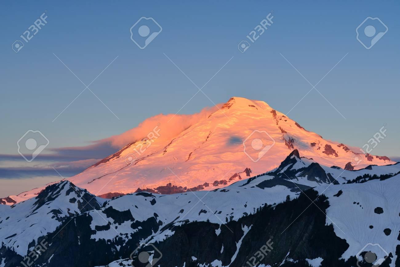 Mt. Baker Sunrise, Mt. Baker-Snoqualmie National Forest Stock Photo - 21072729