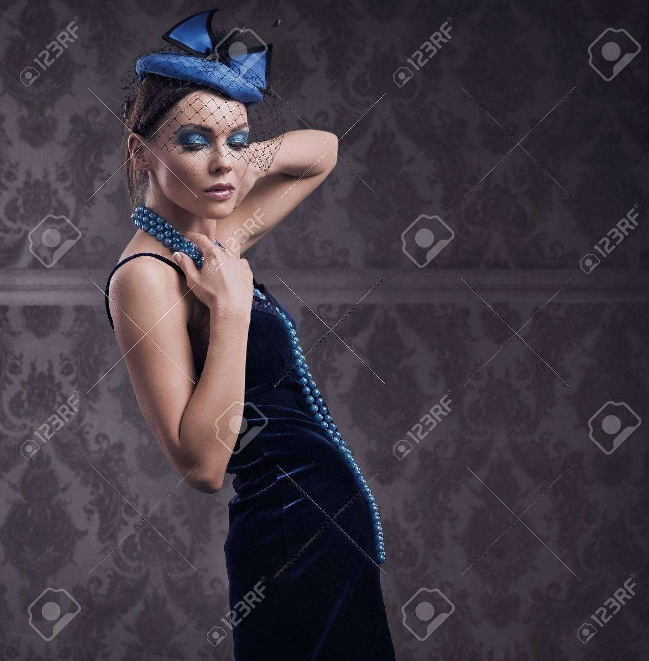 Vogue style sensual portrait in dim light Stock Photo - 8254958