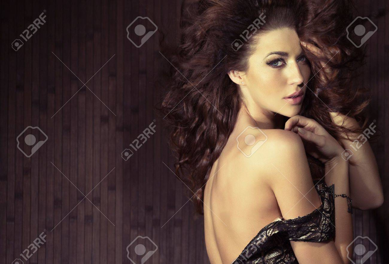 Sensual lady in sexy pose Stock Photo - 18464518