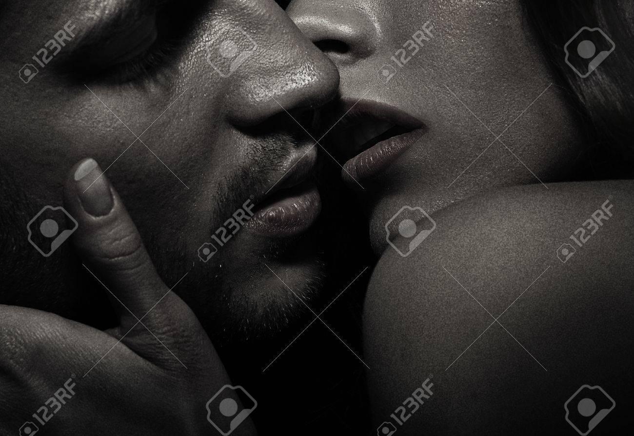 Сексуальные фото с языком 24 фотография