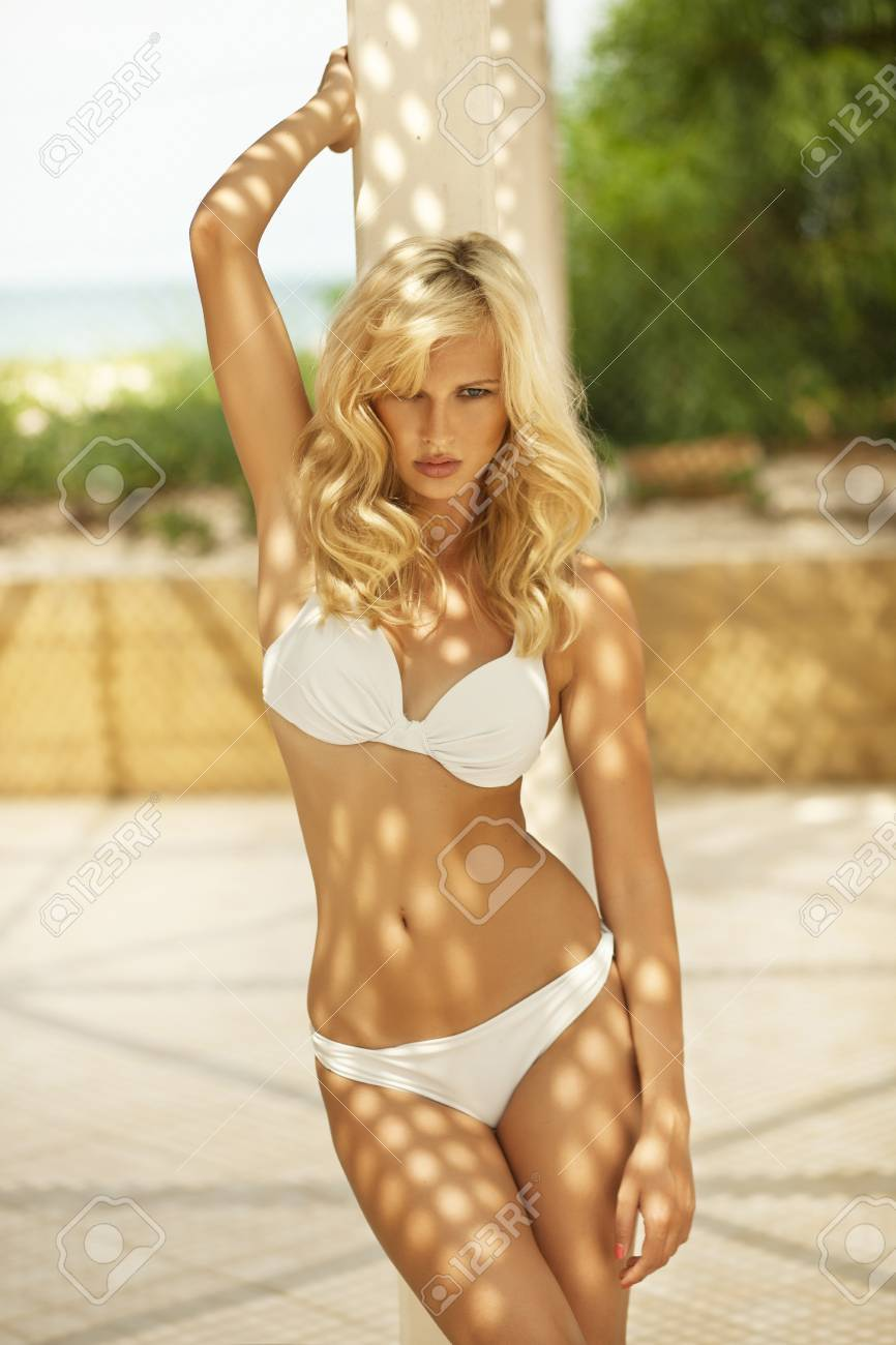 Blonde has perfect body