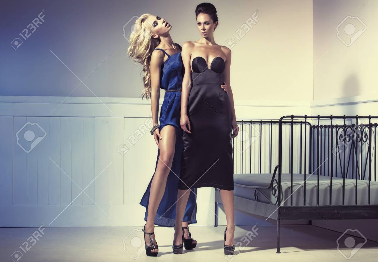 portants robes de soiree 123 rf