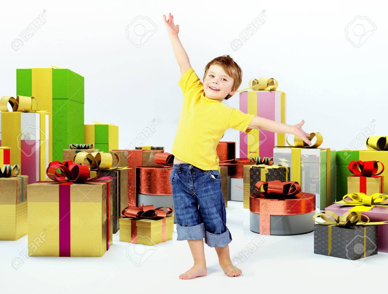 Полезные подарки ребенку 3 лет