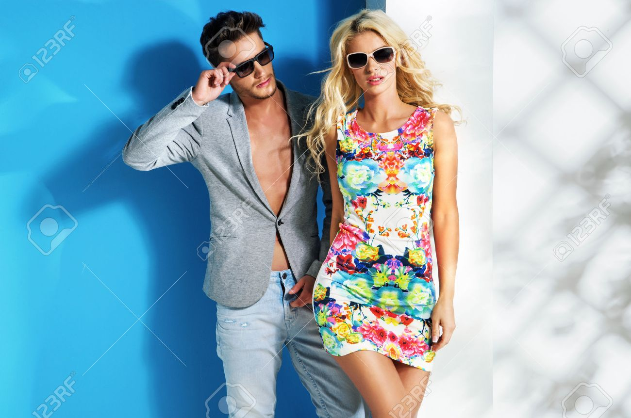 Glamour couple wearing trendy summer clothes Stock Photo - 46023033