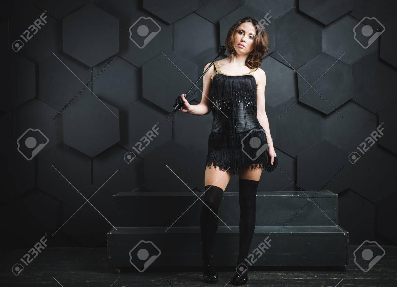 1092b2080ae Mujer Sexy Con Látigo Fotos, Retratos, Imágenes Y Fotografía De ...