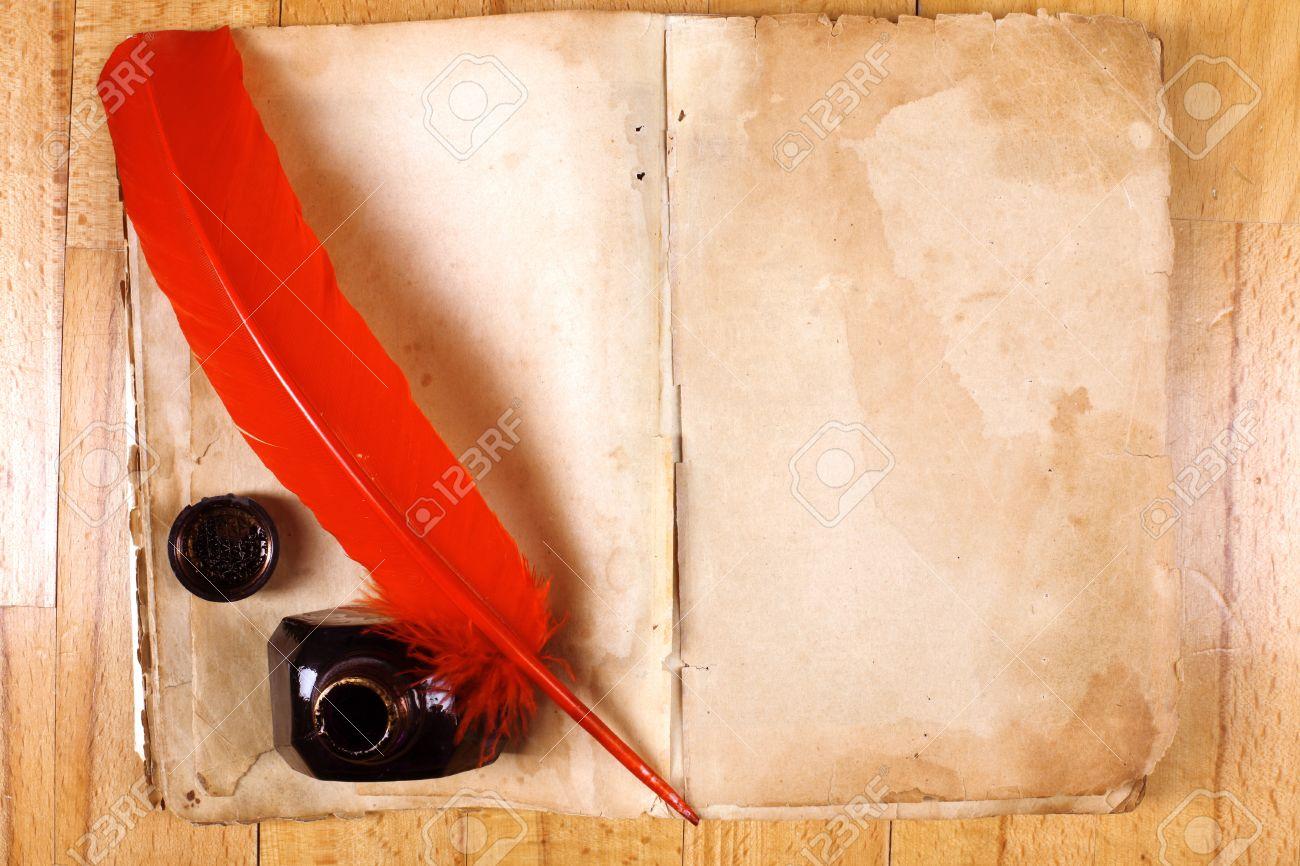 Vintage Libro Abierto Mensaje Vacío Con La Pluma Y El Tintero Pluma ...