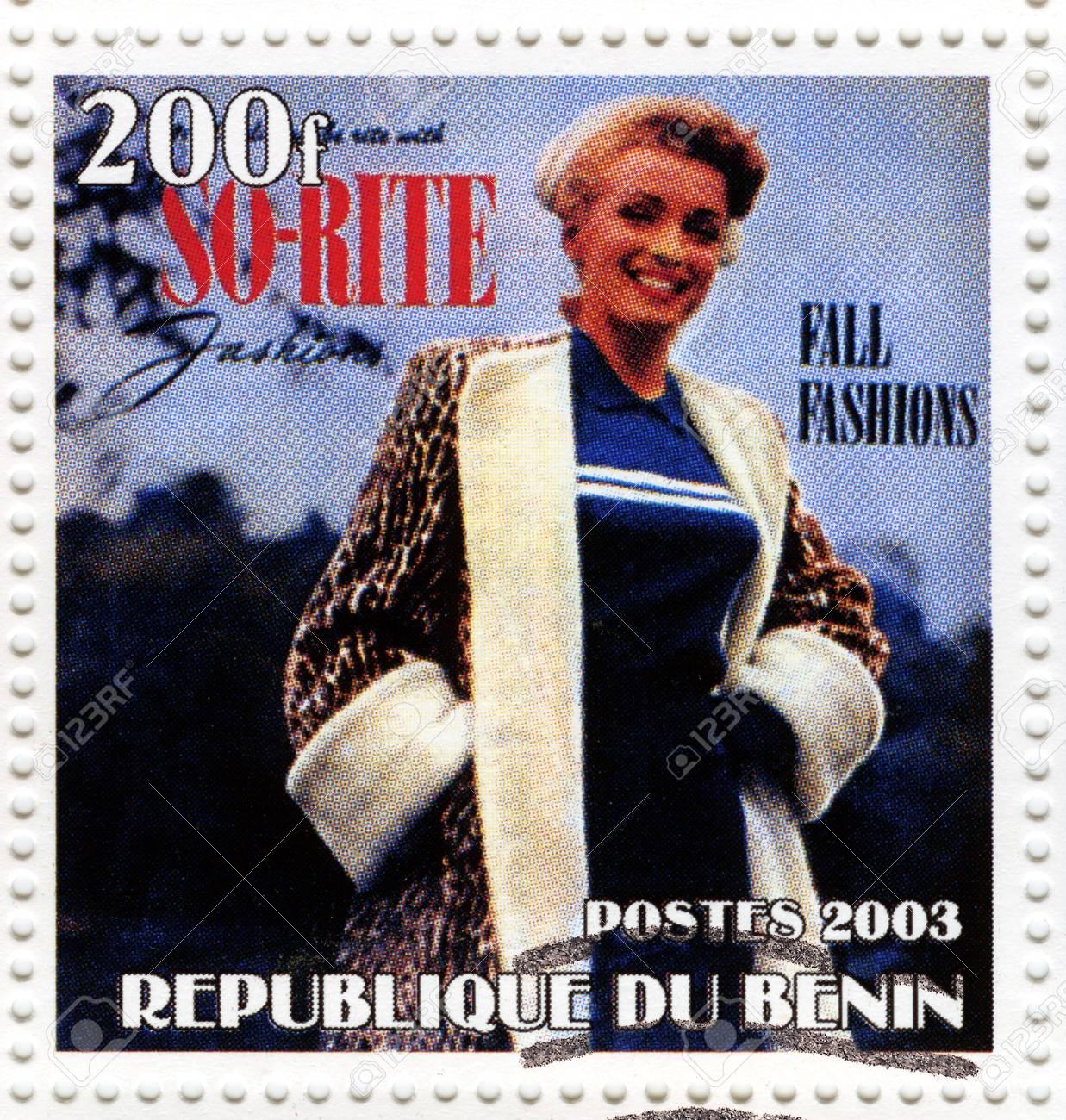 BENIN - CIRCA 2003 : stamp printed in Benin showing Marilyn Monroe popular actress in 1960s, circa 2003 Stock Photo - 16585955