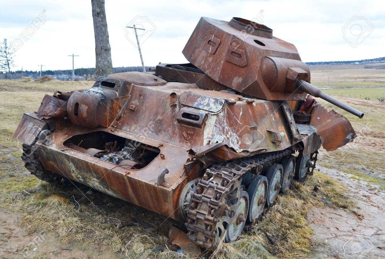http://previews.123rf.com/images/konstantinks/konstantinks1109/konstantinks110900320/10650305-The-photo-of-rusty-german-old-military-tank-Stock-Photo-tank-army.jpg