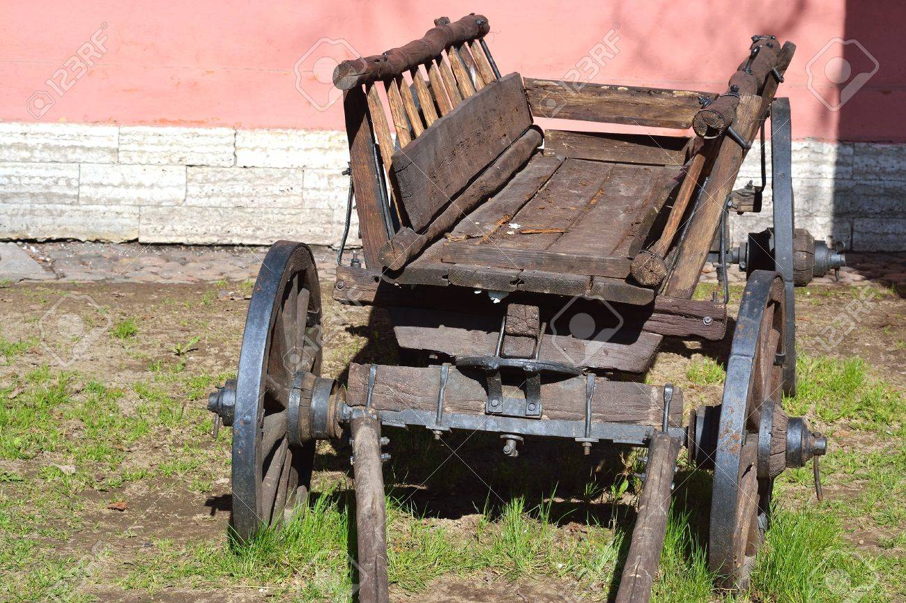 The photo of old antique wagon . Stock Photo - 12003594