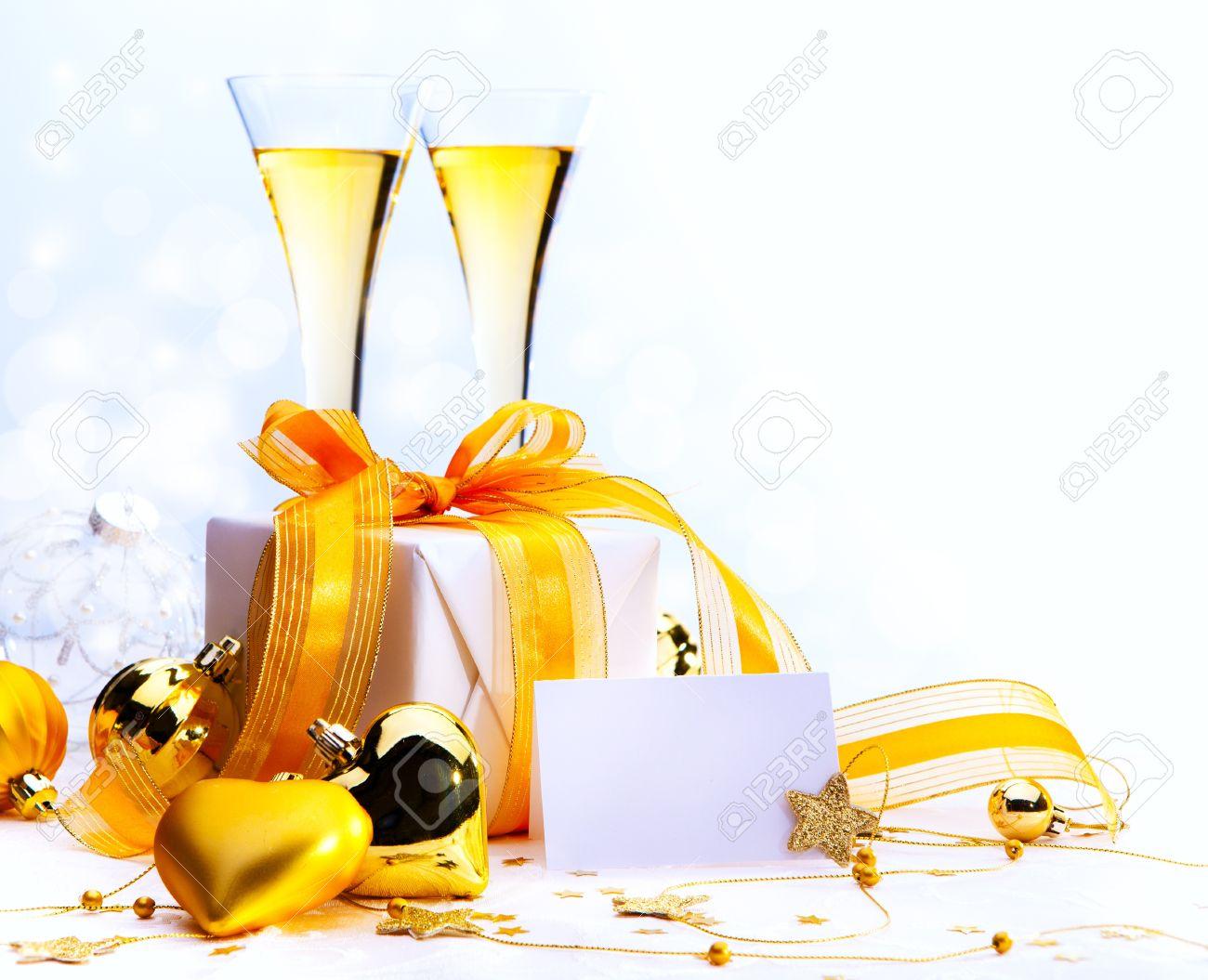 Weihnachts-Grußkarte (Gläser Champagner Wein-und Weihnachtsgeschenke ...