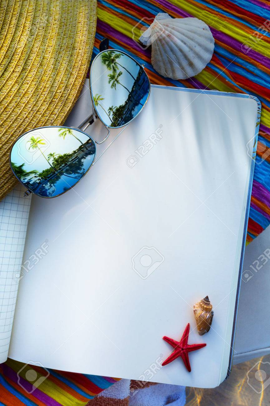art summer Beach. Beach scene with blank book Stock Photo - 40063004
