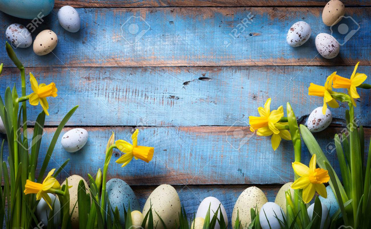 art easter Background with easter eggs and spring flowers Stock Photo - 53827728