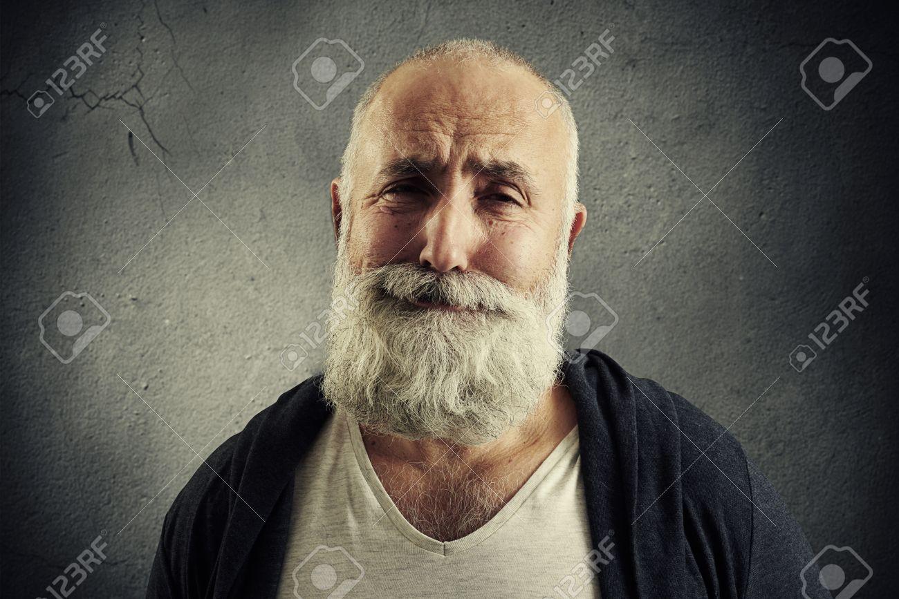 Und haaren bart männer grauen mit Männer graue