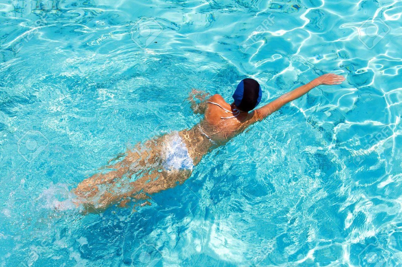 Фото купания в бассейне 11 фотография