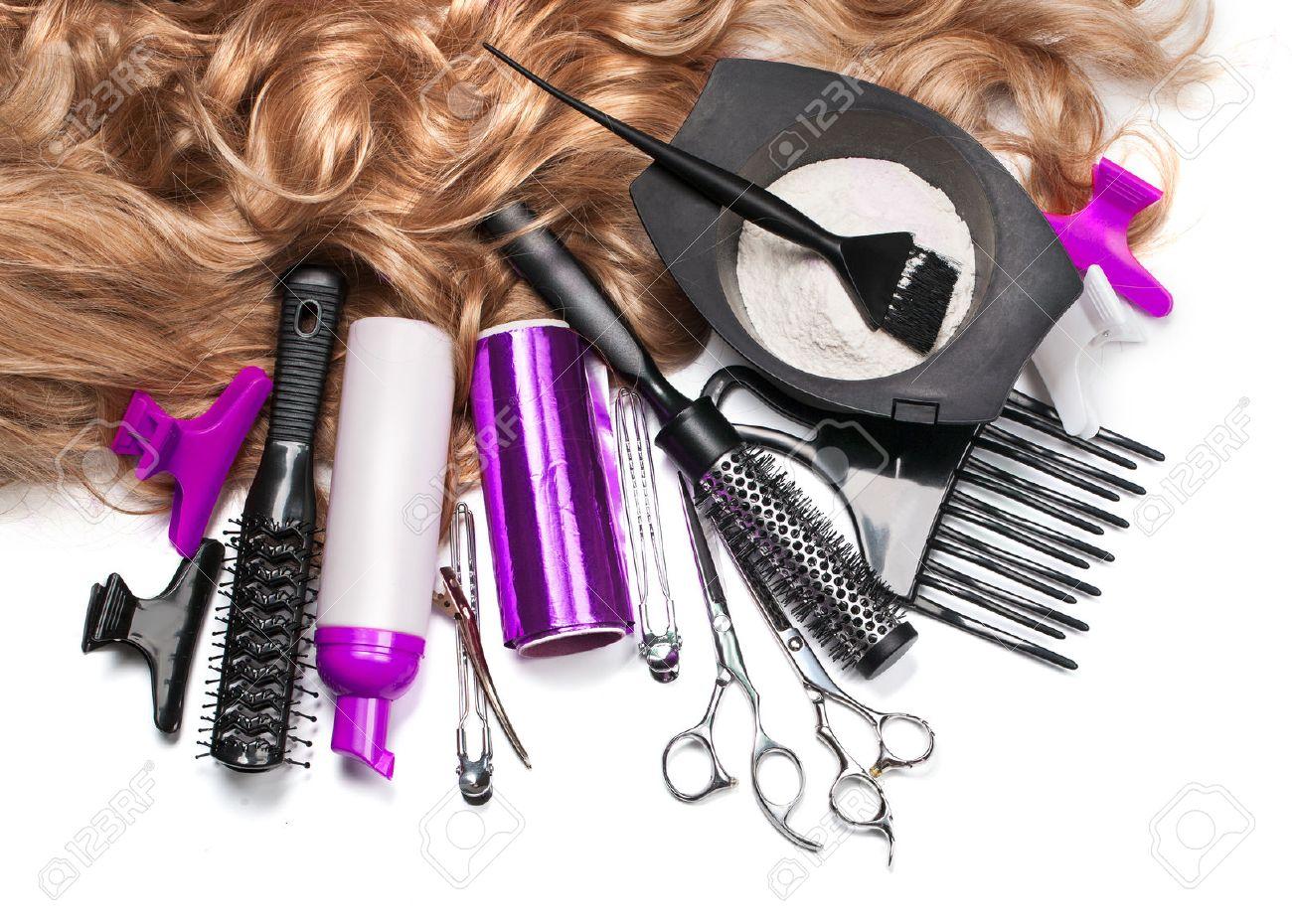 coiffeur dessin Accessoires de coiffure pour la coloration des cheveux sur  un fond blanc Banque