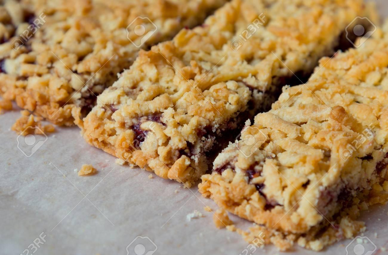 Home Susse Kuchen Mit Marmelade Lizenzfreie Fotos Bilder Und Stock