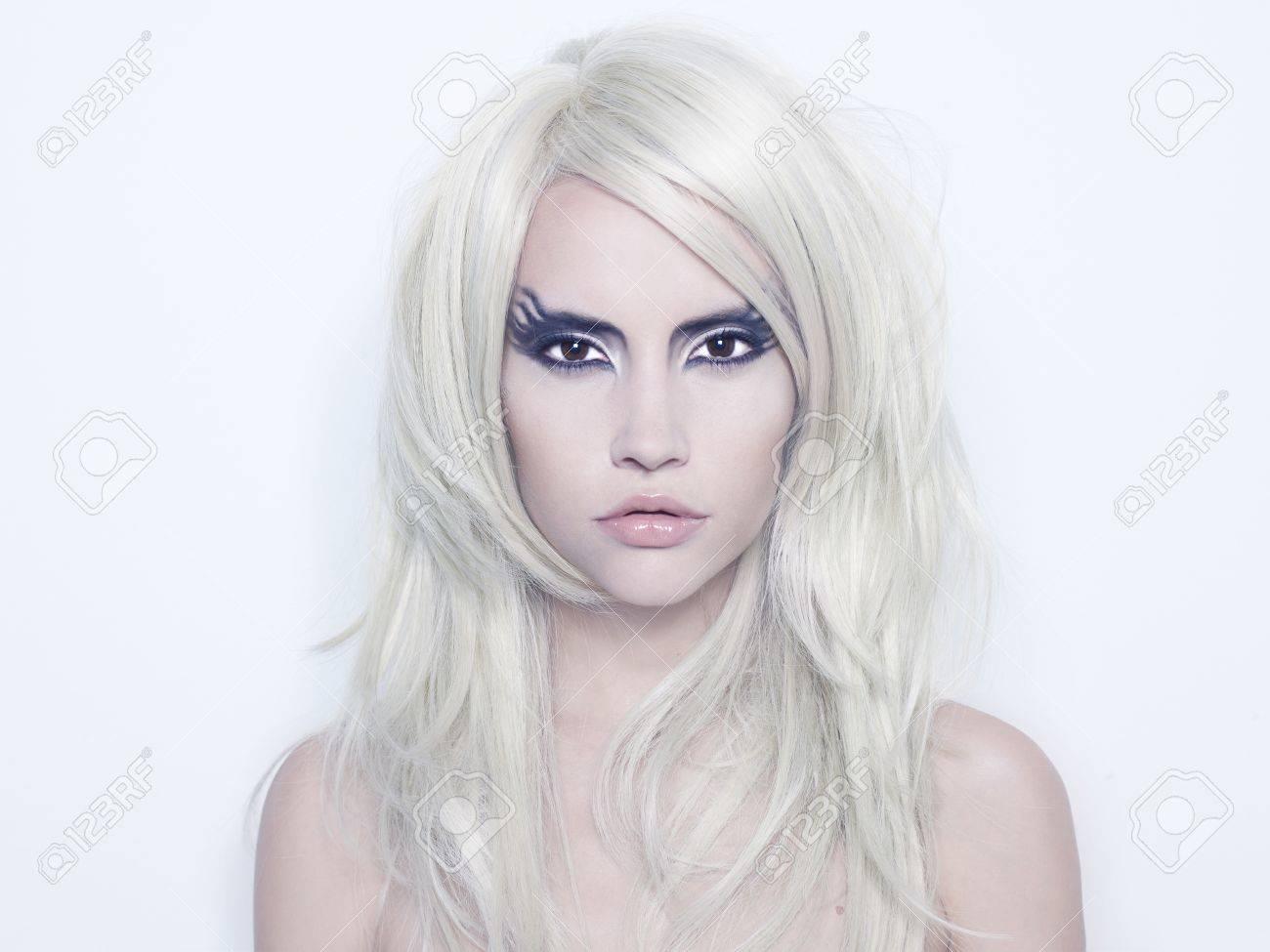 Modefotografie der schönen jungen Frau mit Phantasie Make-up Standard-Bild  - 11531797 42e6b435e2