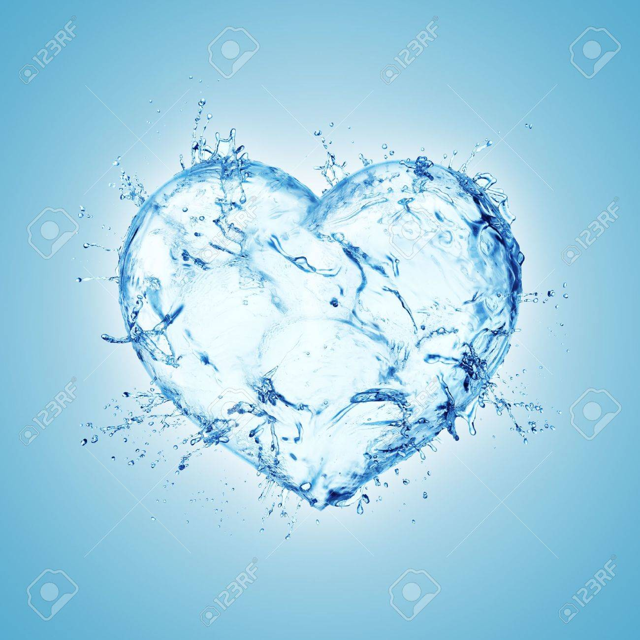 Heart from water splash isolated on white Stock Photo - 12464677