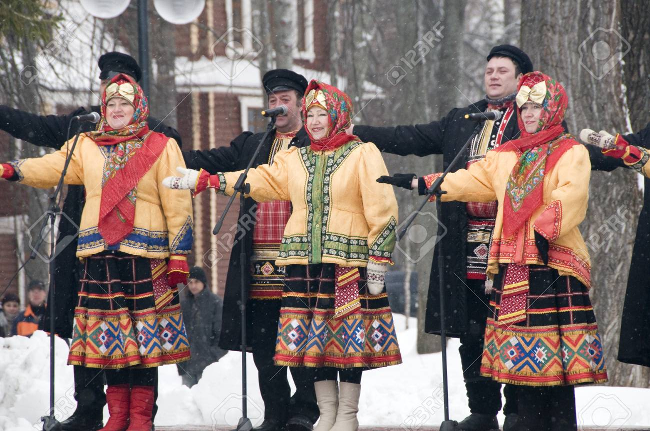 MOSCOW - FEBRUARY 25  Russian ensemble concert  Russian Song  for the Celebration of Shrovetide, a traditional Russian holiday  pancake week, maslenitsa  on Feb  25, 2012 in Moscow, Russia   Stock Photo - 12790408