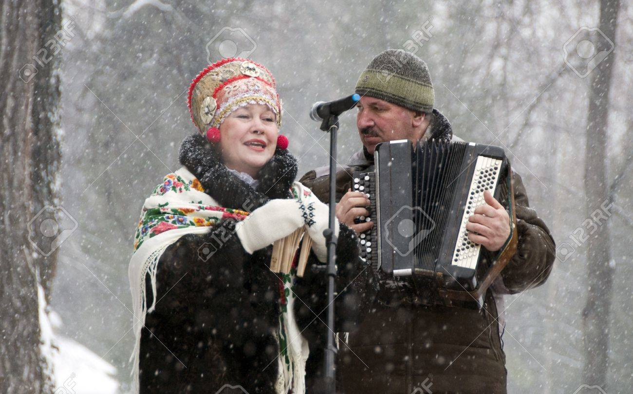 MOSCOW - FEBRUARY 25  Russian ensemble concert  Russian Song  for the Celebration of Shrovetide, a traditional Russian holiday  pancake week, maslenitsa  on Feb  25, 2012 in Moscow, Russia   Stock Photo - 12790396