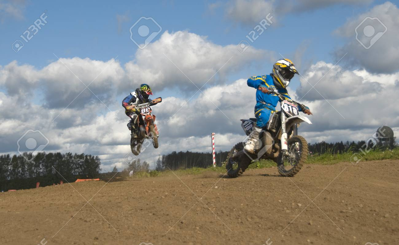 MOSCOW-SEPTEMBER 8: Vladimir Sychev 88 (Terekhovo-13, Moscow) and Artem Zaitsev 818 (Voskresensk) in the Stage III Cup XSR-MOTO.RU Cross Country in Moscow, Sheremetyevo, motostadion  Stock Photo - 15293736