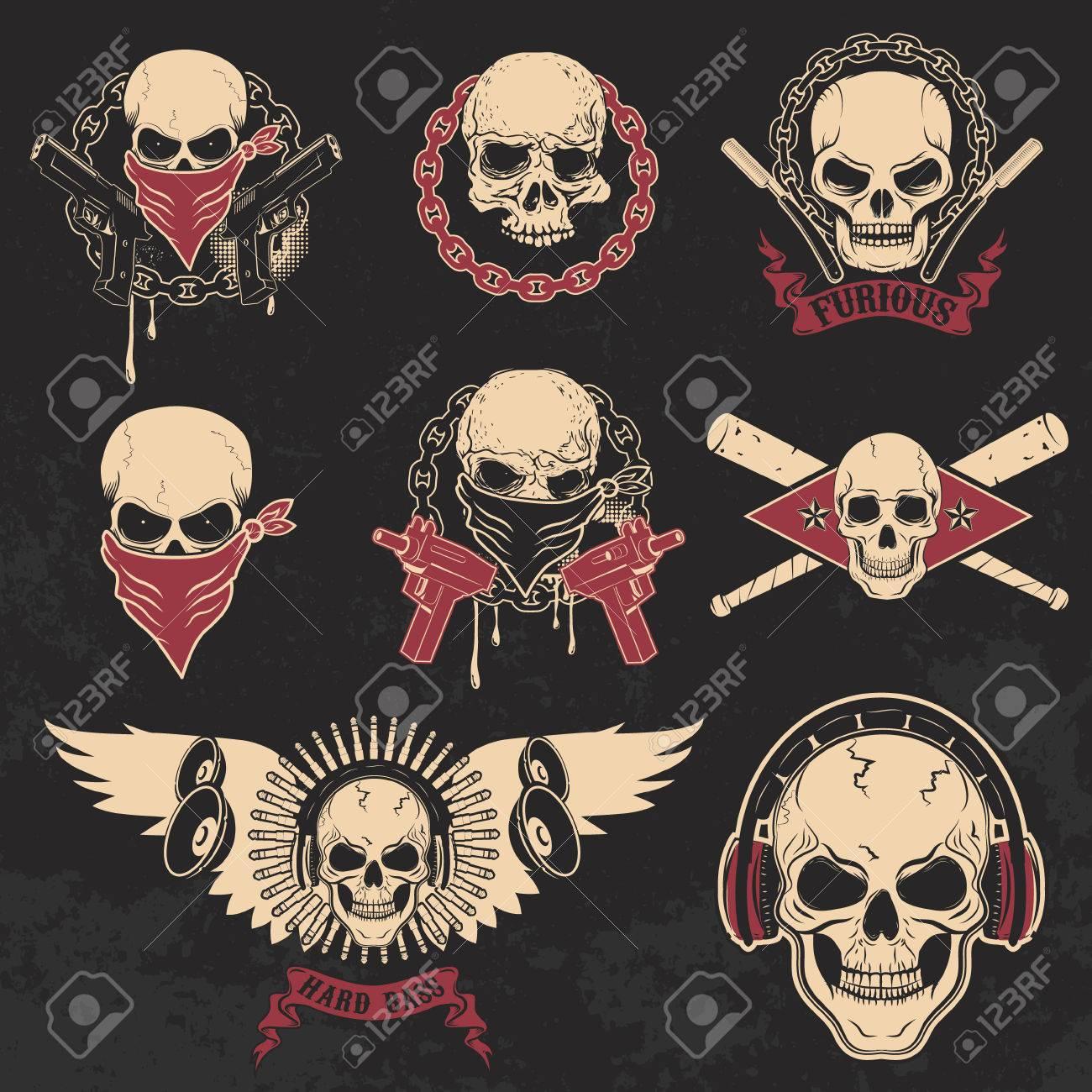 Conjunto De Cráneos Emblemas. Plantillas De Impresión De La Camiseta ...