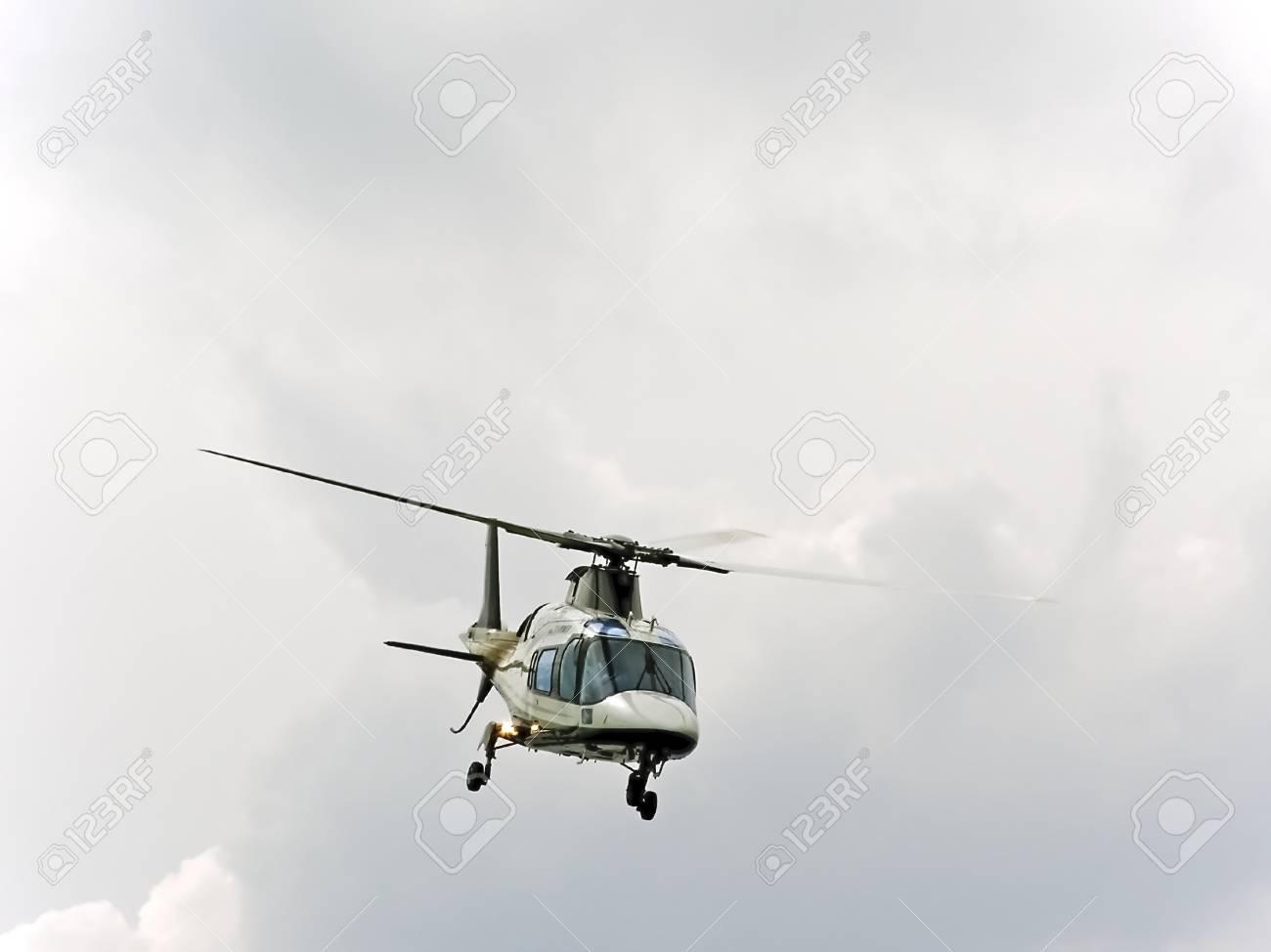 Elicottero Quarto : Dimostrazione aria di elicottero di professionalità nel airshow