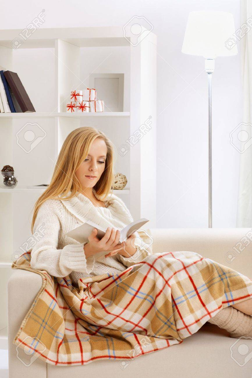 beauty girl reading book in the room - 18295573