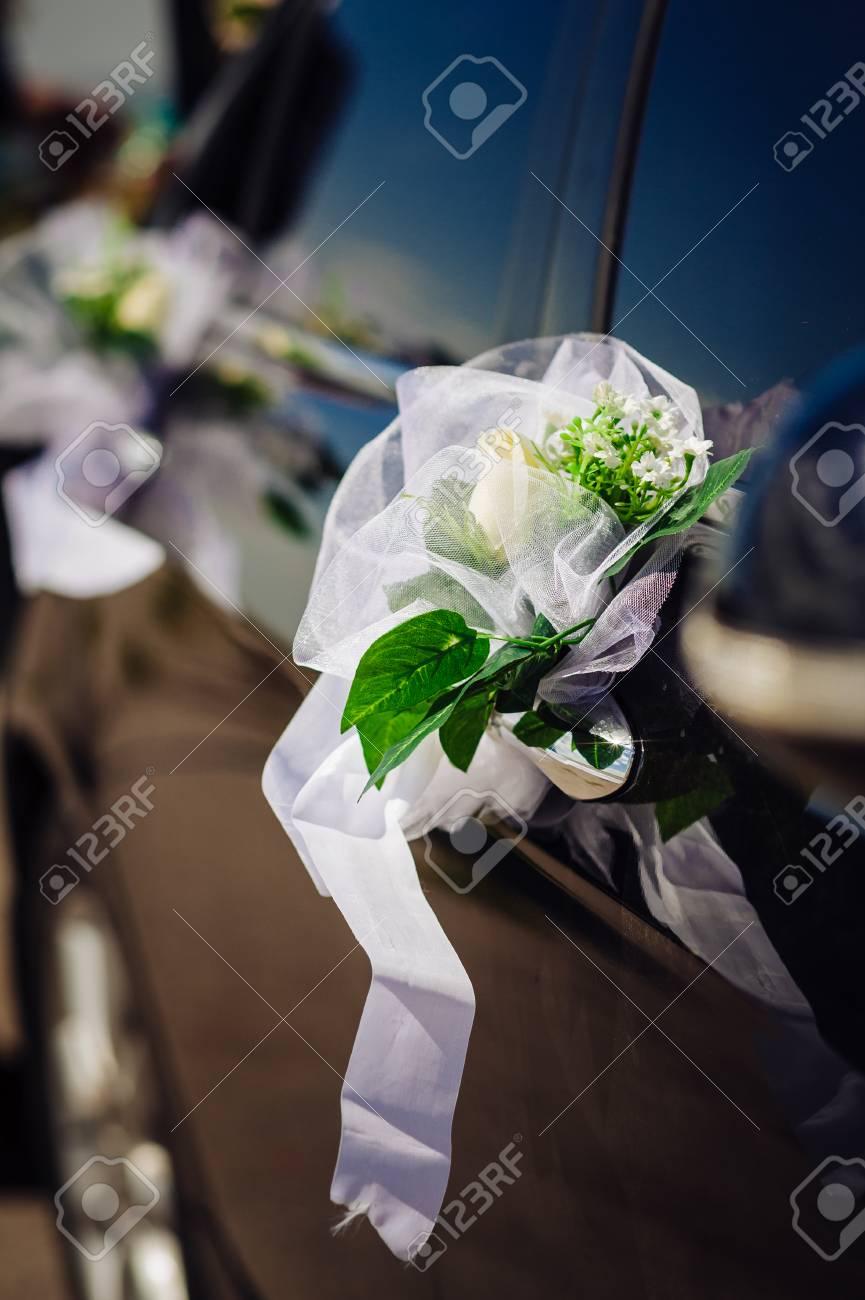 Hochzeitsblumenstrauss Auf Vintage Hochzeitsauto Lizenzfreie Fotos