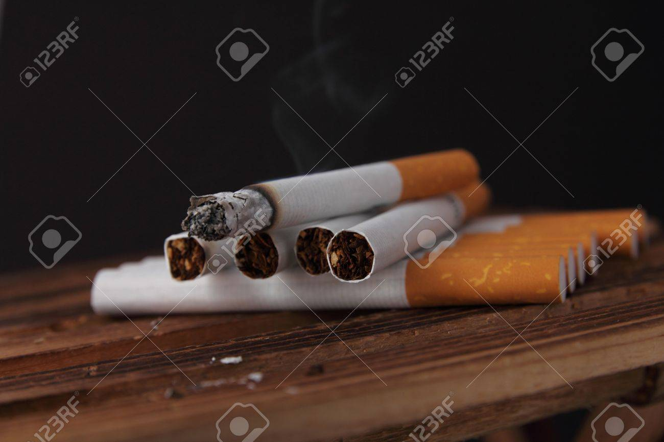 Cigarette badly effect for health Stock Photo - 14563440