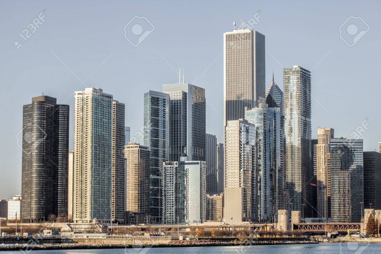 View of commercial building over the lake in Chicago Stock Photo - 17149999