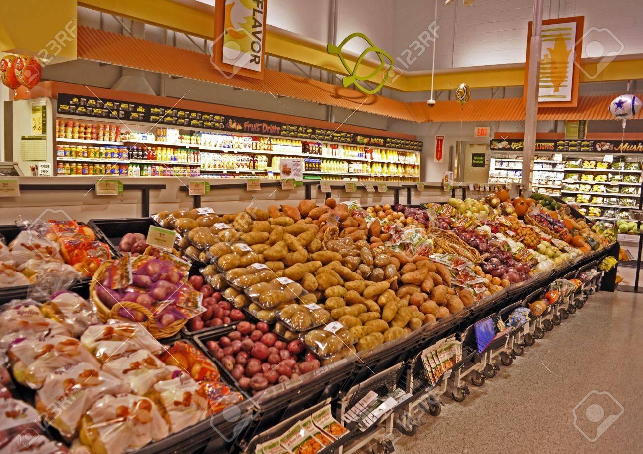 11593540 پرتقال سیب زمینی قرمز سیب زمینی سفید سیب زمینی شیرین پیاز کدو تنبل کدو تنبل آب میوه و بیشتر در یک