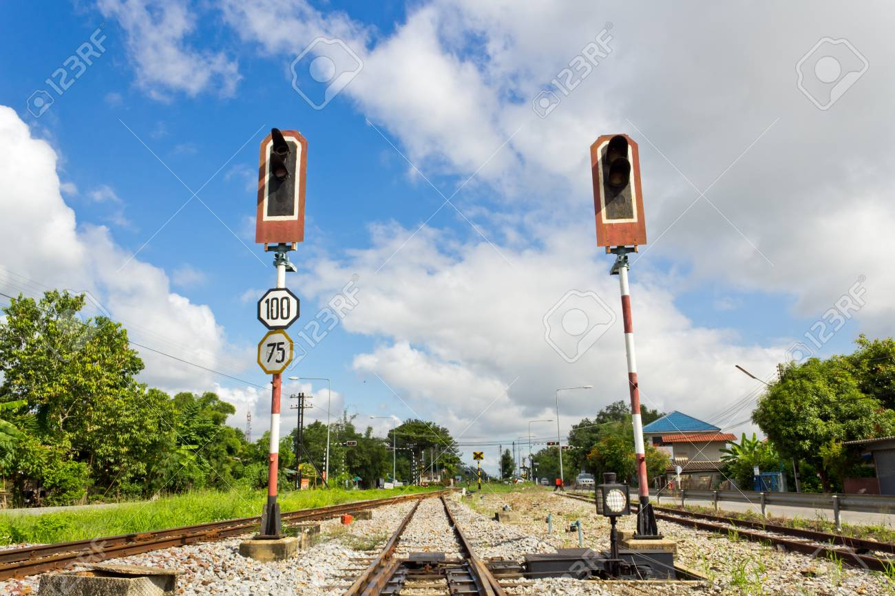 Alarm Lights used to warn about incoming Train. Stock Photo - 15078600