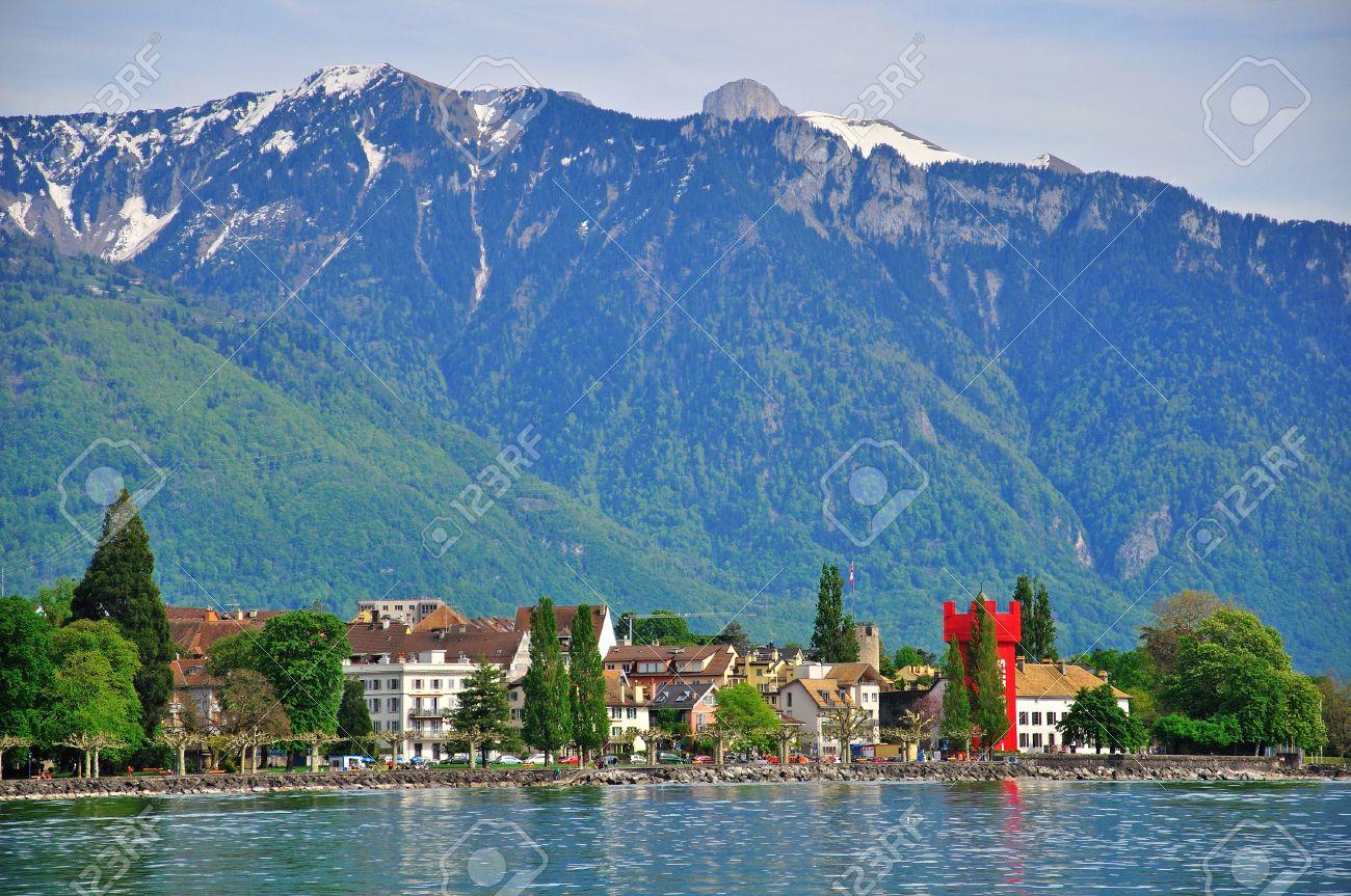 スイスのヴェヴェイのパノラマ ...