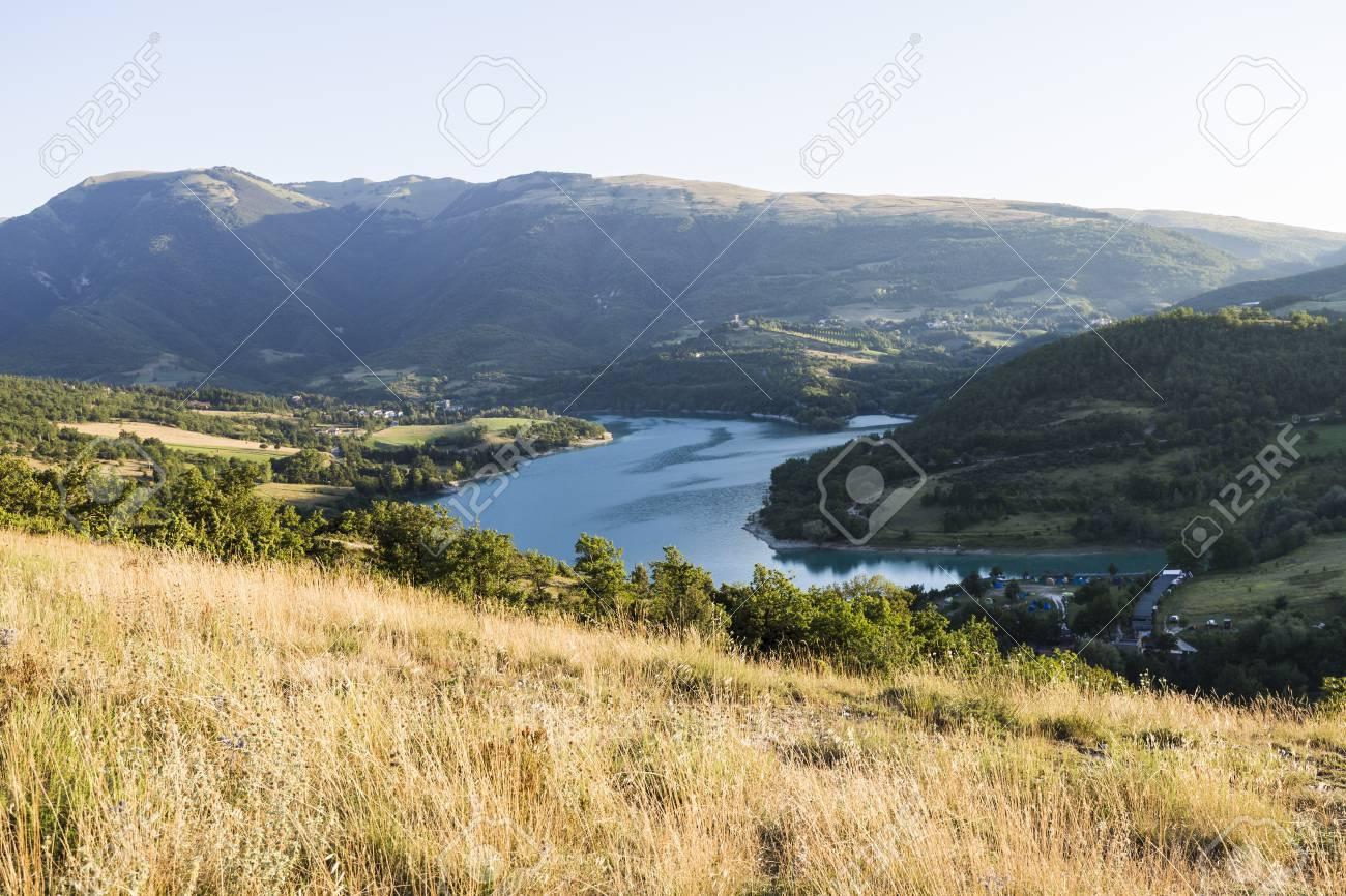 イタリアでシビッリーニ山脈国立...