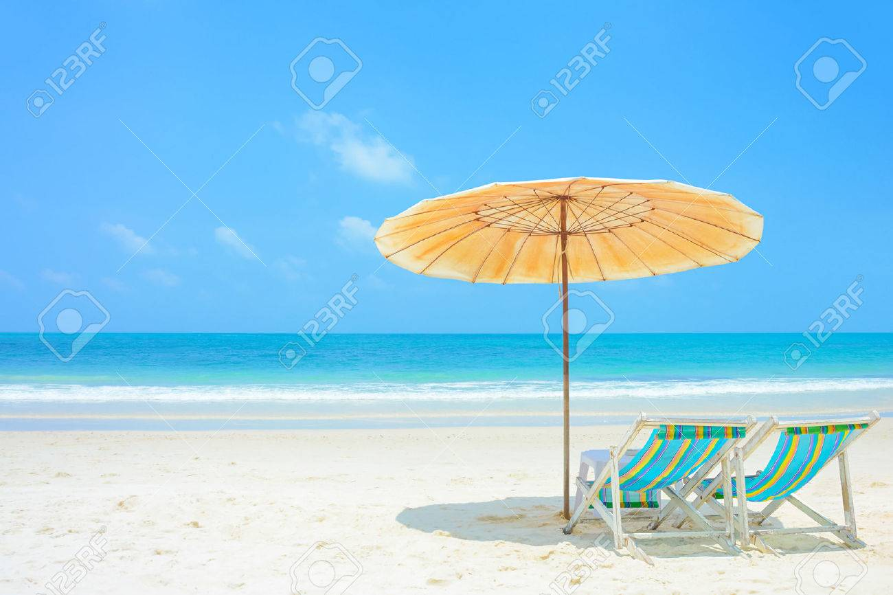 Beach with chairs - Beach Chairs Blue Sea And White Sand Beach With Beach Chairs And Parasol At Samed