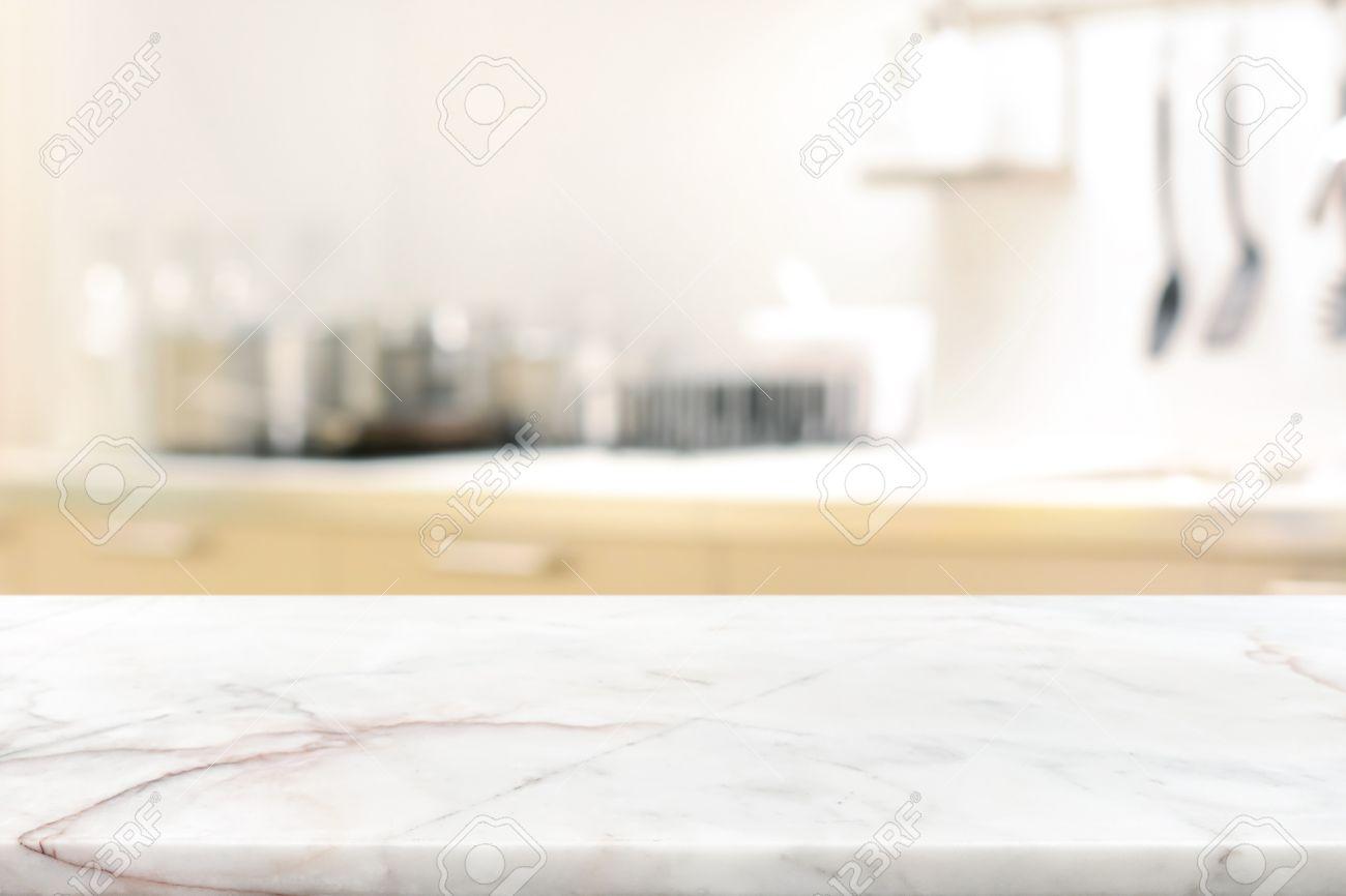 Tavoli In Pietra Per Interni.Immagini Stock Tavolo In Pietra Di Marmo Isola Cucina Su