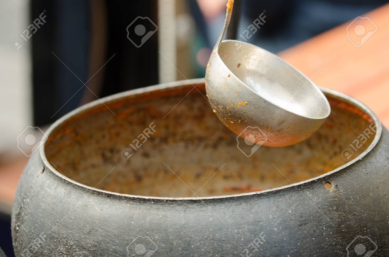 Ladle and pot in the handicraft mart - 26712717