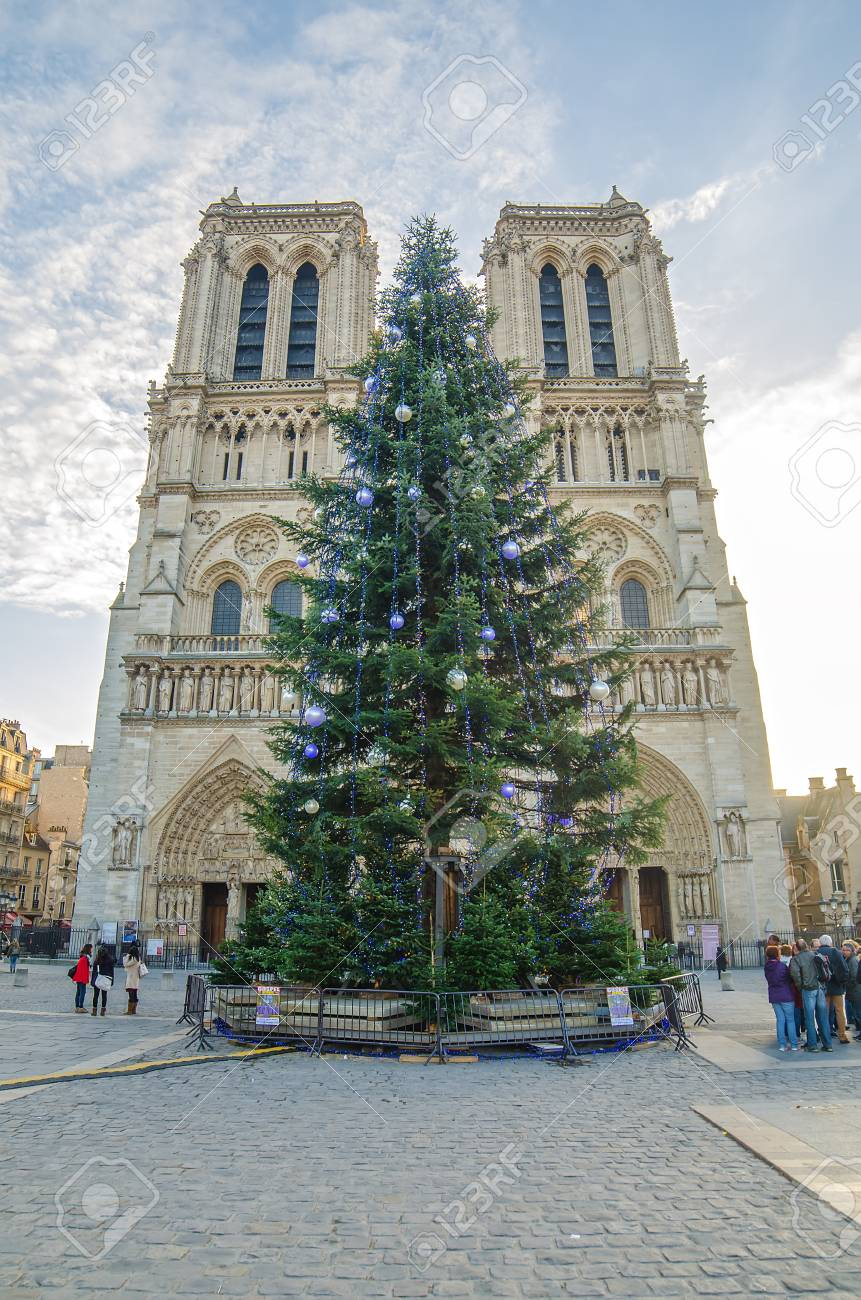 Cathedral Notre Dame De Paris (France) In The Christmas Time Stock ...