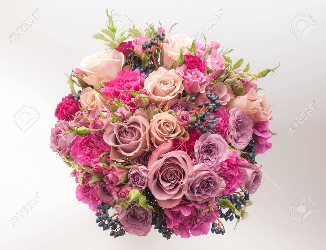 Dulce Púrpura Clavel Rosa Con Bayas Viburnum Negro Ramo De La Boda ...