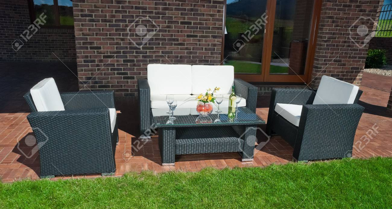 Luxury Garden Rattan Möbel Auf Der Terrasse Lizenzfreie Fotos