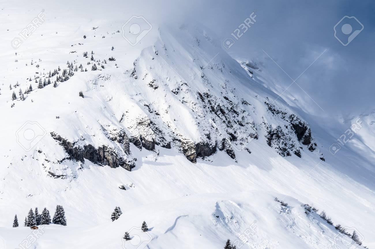 Grande Montagne Avec De La Neige Lech En Autriche Banque DImages