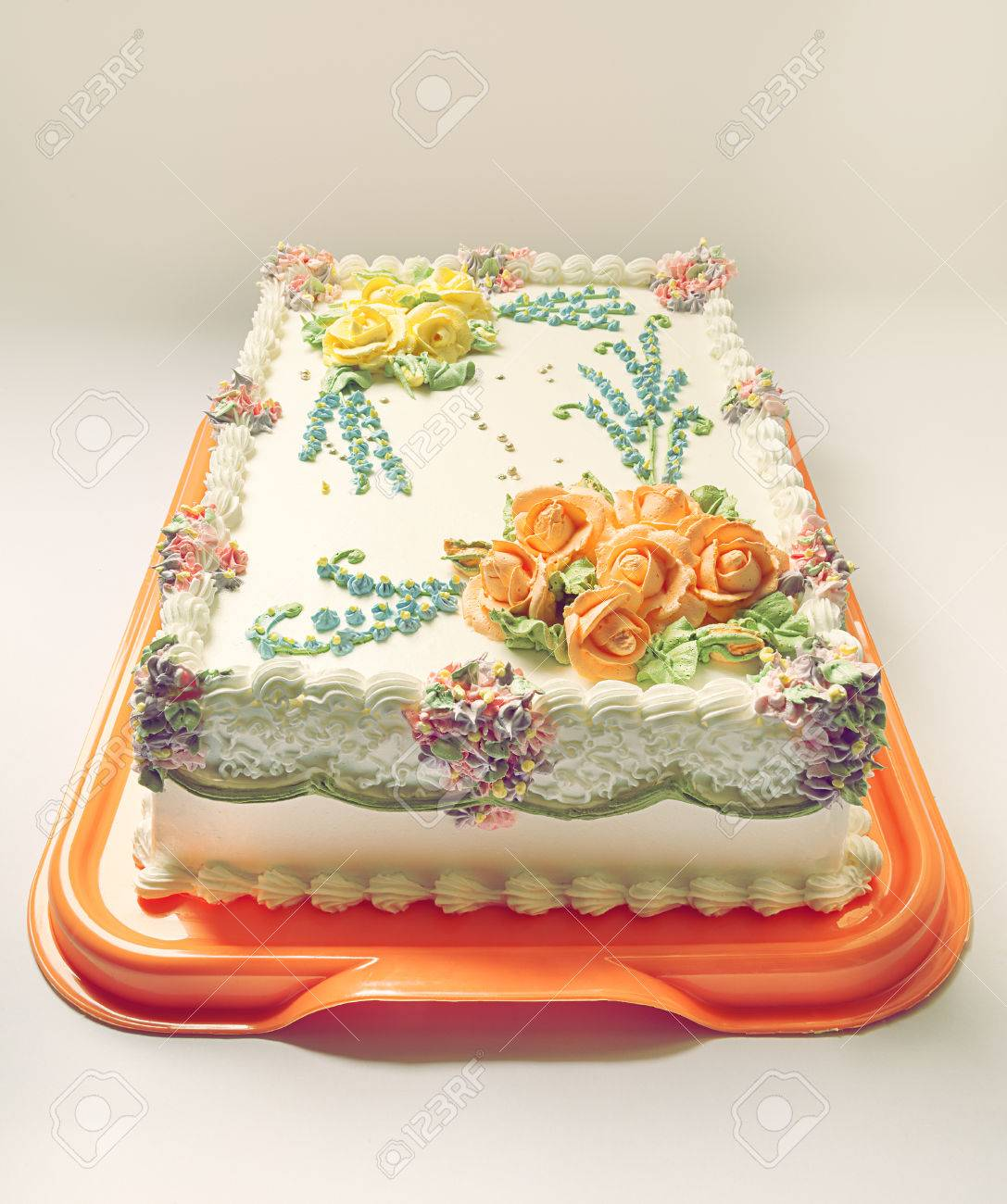 Fine Classical Birthday Cake Design With A Lot Of Flowers Of Cream Personalised Birthday Cards Veneteletsinfo