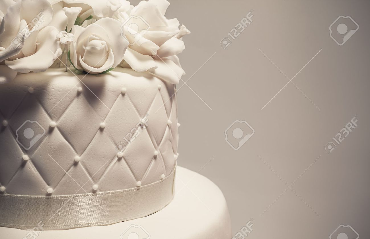 Details Einer Hochzeitstorte Dekoration Mit Weissen Fondant Auf Weissem Hintergrund