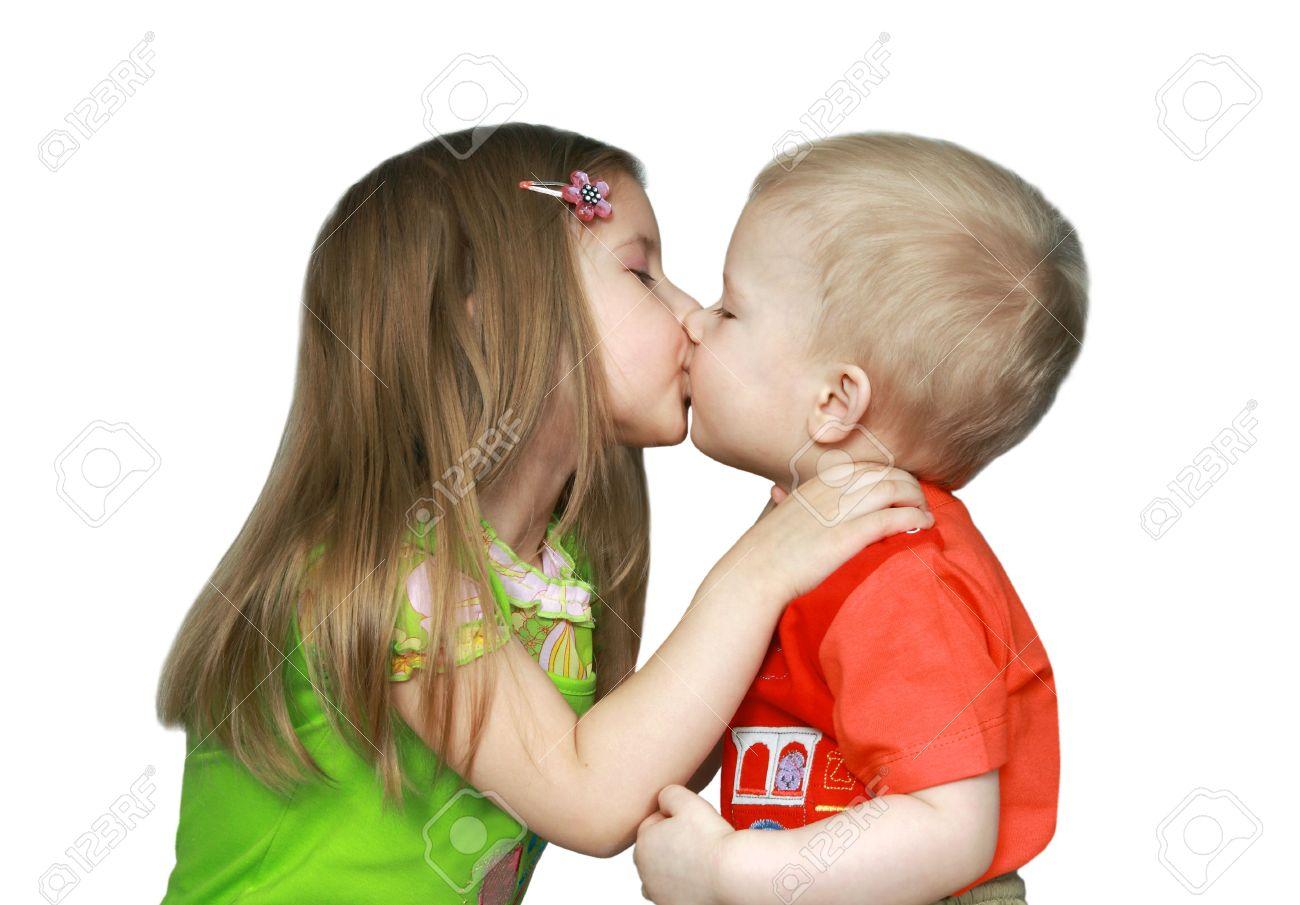 Дети целуются: картинки и фото дети целуются, скачать рисунок 32