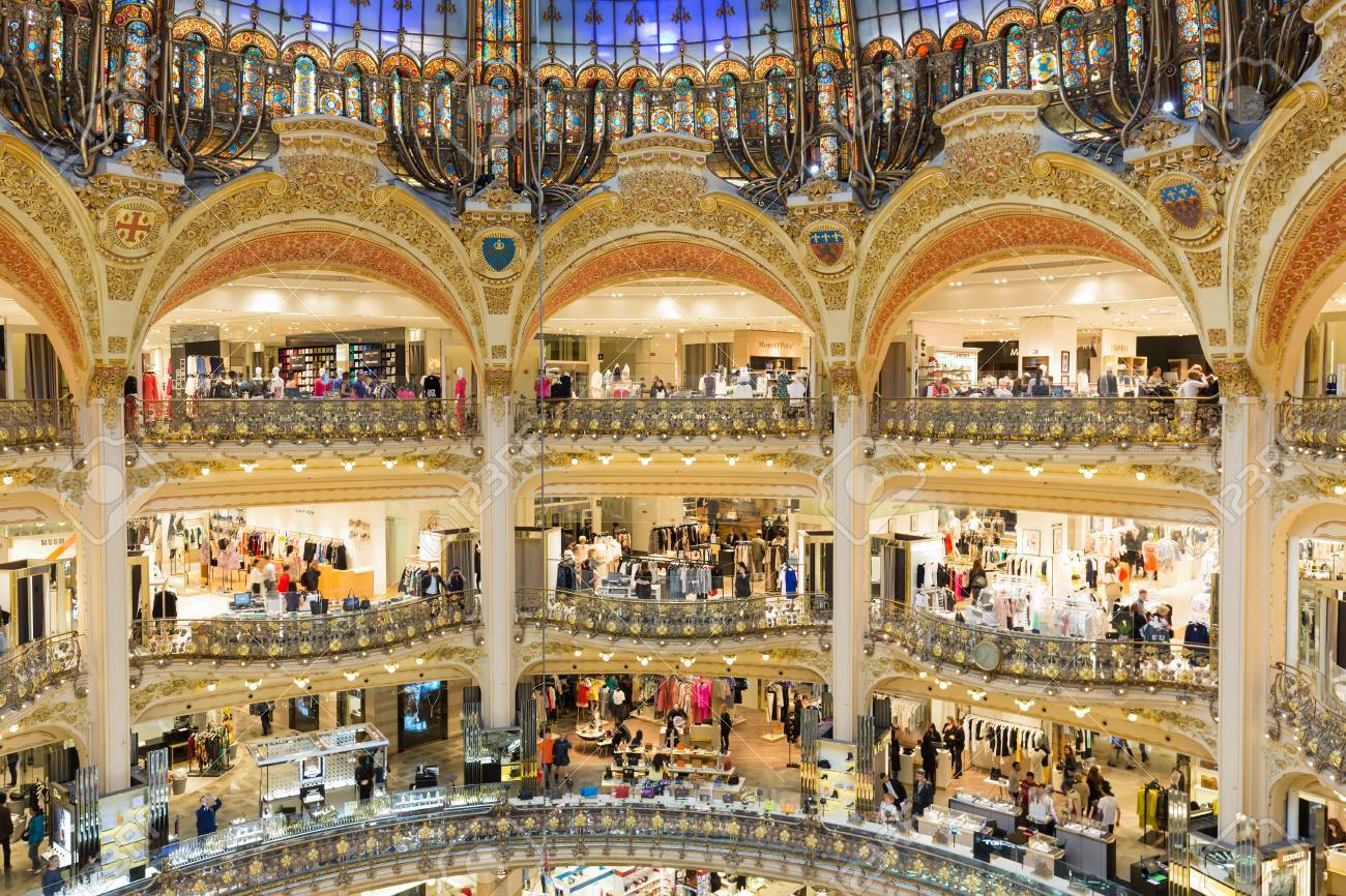 Paris France May 29 Unknown People Shopping In The Famous Luxury  # Muebles Lafayet